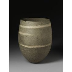 Vase Date: 1985 (made) Place: Great Britain Artist/maker: Lee, Jennife Ceramic Decor, Ceramic Bowls, Ceramic Art, Ceramic Design, Stoneware, Pottery Vase, Ceramic Pottery, Beatrice Wood, Jennifer Lee