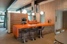 kitchen orange – Vyhledávání Google Mid Century Modern Kitchen, Mid Century Modern Decor, Brown Kitchens, Cool Kitchens, Modern Kitchens, Modern Homes, Dream Kitchens, Beautiful Kitchens, Midcentury Modern