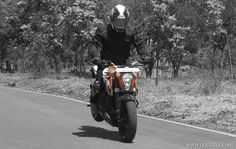 KTM has launched India made Austrian naked sports motorcycle KTM Duke 200 in Philippines. This motorcycle is very popular in India and Europe. Ktm Duke 200, Duke Bike, Bike Photography, Motorcycle News, Philippines, Product Launch, India, Stunts, Detail