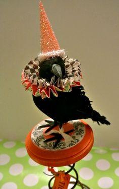 www.polkadotpoplars.com Costume Halloween, Chic Halloween, Vintage Halloween, Halloween Crafts, Holiday Crafts, Happy Halloween, Halloween Ornaments, Halloween Trees, Halloween Projects