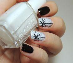 Le blog beauté d'une nail polish et lipstick addict avec du nail art, du make up, des soins et d'autres petites choses dedans !