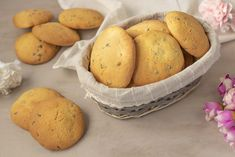 Easy recipe by Benedetta. Today we prepare together biscuits with a spoon, fragile an - Biscuit Dessert Recipe, Biscuits, Cookie Recipes, Dessert Recipes, Fast Easy Dinner, Biscotti Cookies, Christmas Food Gifts, Sweet Pastries, Italian Cookies