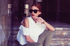 The Pile of Style: Women's Retro Modern Horned Rim Cat Eye Sunglasses 9136