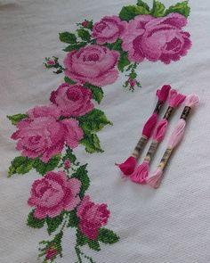 Napkins, Cross Stitch, Fabrics, Embroidery Ideas, Cross Stitch Embroidery, Embroidery Thread, Counted Cross Stitches, Cross Stitch Pictures, Crochet Doilies