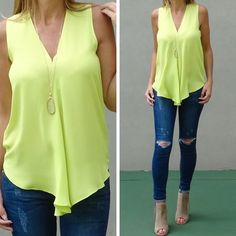 www.shopdariann.com How fun, fab and flirty is our Kinsley Top in this wild lime color? Looove it 💕❤️ Look cute with no effort...easy peasy!  Check it out 👉🏼 shop clothing