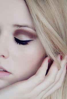 Plain, but Lovely Make-up.~ Pinned by Keira Turner Makeup Tips, Eye Makeup, Hair Makeup, Makeup Ideas, Makeup Inspo, Beauty Make Up, Hair Beauty, Beauty Stuff, Make Up Tricks