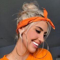 to sem legenda, me ajuda ai kkkkkk fe Bandana Hairstyles, Cute Hairstyles, Orange Tumblr, Looks Adidas, Bandana Girl, Look Rockabilly, Bandana Styles, Selfie Poses, Selfies