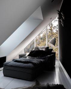 Home Living Room, Living Spaces, Small Cottage Homes, Inside A House, Modern Barn House, Loft House, Living Room Inspiration, House Design, Interior Design