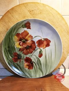 Painted Ceramic Plates, Hand Painted Ceramics, Ceramic Painting, Ceramic Art, China Painting, Acrylic Painting Canvas, Dining Table Decor Everyday, Glass Baron, Pottery Painting Designs
