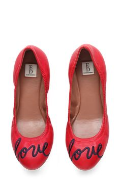 Mom is going to love these adorable ballet flats.