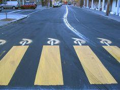 Roadsworth, arte en el asfalto