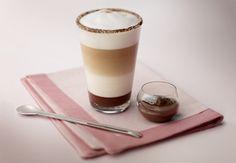 Latte macchiato con caramelo y crema de coco