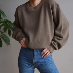 SOLD Vintage unisex olive 100% knit cotton pullover, best fits xs-m for a relaxed fit. DM or comment for details. $42 + shipping.