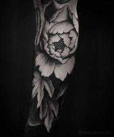 Tattoo Deni Aktemirov - tattoo's photo In the style Graphics, Blackwork, Flowe Rose Tattoos, Leg Tattoos, Flower Tattoos, Arm Tattoo, Sleeve Tattoos, Tatoos, Tattoo Bein Frau, Blackout Tattoo, Poppies Tattoo