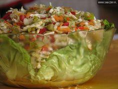 Surówka z kapusty pekińskiej, marchewki i czerwonej papryki Vegetarian Recipes, Healthy Recipes, Polish Recipes, Polish Food, Guacamole, Cabbage, Salads, Mexican, Vegan