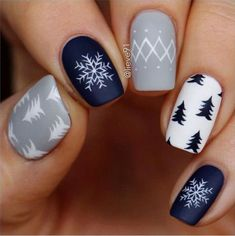 Nail art is a very popular trend these days and every woman you meet seems to have beautiful nails. It used to be that women would just go get a manicure or pedicure to get their nails trimmed and shaped with just a few coats of plain nail polish. Christmas Nail Art Designs, Winter Nail Designs, Winter Nail Art, Easy Christmas Nail Art, Winter Makeup, Christmas Tree Nails, Winter Art, Navy Nail Designs, Winter Christmas