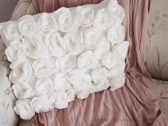 No sew rose pillow.  This is a very sophisticated looking decorative pillow, not to mention it's darn cute.  mama says sew: PB Flower Pillow