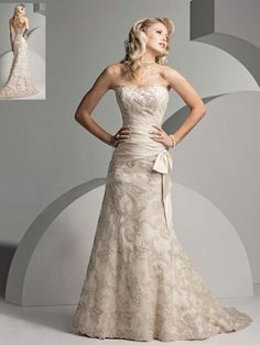 Wedding dresses for the older bride – Fashion and trend ideas. Where and how to buy a Wedding dresses for the older bride? Do discounts and sales? Change your style! Mature Wedding Dresses, Second Wedding Dresses, Wedding Dress Styles, Bridal Dresses, Second Weddings, Lace Dresses, Dressy Dresses, Dress Lace, Older Bride Dresses