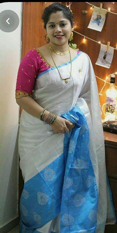 Beautiful Women Over 40, Beautiful Muslim Women, Beautiful Girl Indian, Beautiful Saree, Beautiful Outfits, Indian Natural Beauty, Indian Beauty Saree, Indian Sarees, Indian Girl Bikini