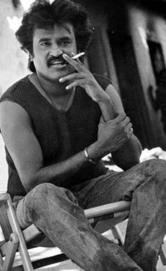 Superstar Rajinikanth at his stylish best! Rare Pictures, Historical Pictures, Cool Pictures, Funny Pictures, Actor Picture, Actor Photo, Tall Dark Handsome, South Hero, Joker Images