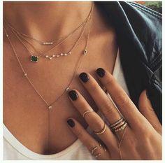collier tendance 2018 Shoppez des colliers colorés et originaux pour égayer vos tenues ! Le collier fantaisie est l'accessoire indispensable qui habillera toutes vos tenues cette saison. Vene…