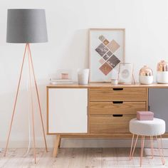 Hairpin legs create an illusion of more space, even if the room is tiny! A great small space tip! | LULEA copper-coloured metal and grey fabric stool | Maisons du Monde