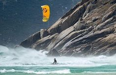 What a scenery to kitesurf! by @keahideaboitiz @jamesboulding