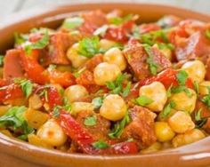 Garbanzos lentos con chorizo ​​y pimientos: www.fourchette-et . Chorizo, Chickpea Stew, Tesco Real Food, Salad Dressing Recipes, How To Cook Quinoa, Weight Watchers Meals, Food Inspiration, Entrees, Slow Cooker