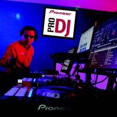 "Check out ""Dj Humberto - Mx Show Time (2015-10-28 @ 04PM GMT)"" by djhumbertomx on Mixcloud"