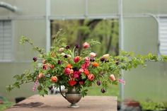 Jennie {Love 'n Fresh} See the BLeeDInG ♥ ranunculus, tulips, bleeding heart, delphinium, blackberry foliage
