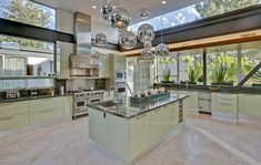 Ashton Kutcher's Hollywood Hills Pad to Be Bought By Justin Bieber - Haute Living Celebrity Kitchens, Celebrity Houses, Mint Kitchen, New Kitchen, Kitchen Island, Kitchen Rug, Kitchen Modern, Glass Kitchen, Kitchen Layout
