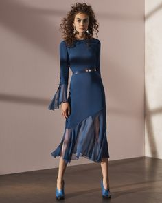 More for Kate Middleton! See the complete Prabal Gurung Pre-Fall 2017 collection.