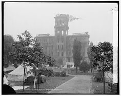 hall of justice 1906 san francisco Photography Essentials, City Photography, San Francisco Earthquake, Black And White City, Victorian Architecture, Photo Black, Portsmouth, Old Photos, Street View