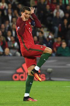 Quand vous voyez une souris dans le métro. | 14 fois où Cristiano Ronaldo a parfaitement résumé notre vie