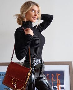 Check out more information on :- leather pants outfit Sexy Outfits, Fashion Outfits, Fashion Mode, Girl Fashion, Womens Fashion, Pantalon Vinyl, Lederhosen Outfit, Leather Pants Outfit, Looks Pinterest