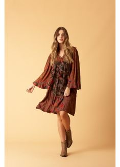 Vestido Curto com Mangas 3/8 Patchwork Estilo Hippie, Hippie Chic, Look Boho Chic, Summer Outfits, Casual Outfits, Afghan Clothes, Moda Boho, Lifestyle, How To Make