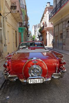 a Dodge Coronet Super Convertible (Havana, Cuba) Old Classic Cars, Classic Chevy Trucks, Classic Auto, Cuban Cars, Posters Vintage, Us Cars, Vintage Trucks, Belle Photo, Cars And Motorcycles
