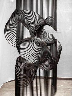McConnell Studios - Momentum - Interactive kinetic sculpture with sound element, reflecting millipede motion. Land Art, Op Art, Banksy, Kinetic Art, Sculpture Art, Metal Sculptures, Abstract Sculpture, Bronze Sculpture, Public Art