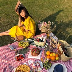 Picnic Date Food, Picnic Time, Summer Picnic, Beach Picnic Foods, Picnic Parties, Picnic Ideas, Spring Summer, Summer Aesthetic, Aesthetic Food