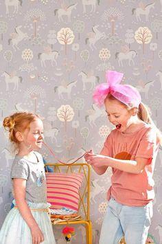 Girls Wallpaper True Unicorns by Majvillan
