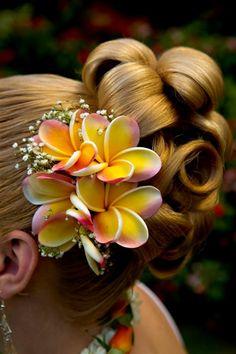 Weddings in Hawaii | Hawaiian Wedding Flowers |