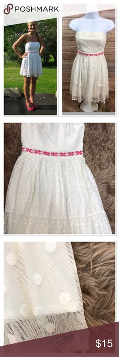 💎💎STRAPLESS SUNDRESS EYELET SKIRT💎💎 Hollister Sundress, Eyelet Lace Covered Bodice and Skirt.Pink embroidered at waist. Excellent condition. No rips, stains or tears.  Smoke free, pet free home. Hollister Dresses Mini