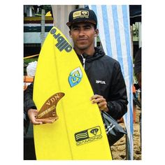 """E não foi só o Lançamento da @allbroproject que rolou nesse final de semana. Na Praia Vermelha do Norte, em Ubatuba-SP, rolou um campeonato em homenagem ao garoto Madson, local da VDN, que foi atropelado por um carro, quando voltava de uma surf session e infelizmente faleceu. E nosso brother @murillodiogo_ , também local de Ubatuba, representou levando a 4ª posição no Campenato """"Surf Treino MADSON"""". Parabéns bro! Aloha ! #ALLBROlifestyle"""