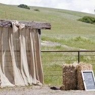 rustic photo booth | rustic wedding photo booth background | Photo Ideas