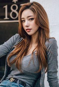 愼 ☼ ριητεrεsτ policies respected.( *`ω´) If you don't like what you see❤, please be kind and just move along. Pretty Asian, Beautiful Asian Girls, Cute Beauty, Facon, Ulzzang Girl, Girl Photos, Asian Woman, Asian Beauty, Cool Girl