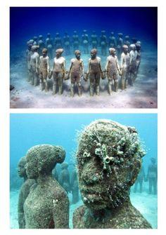 sculptures by jason de caires taylor.