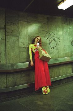 Michal Pudelka ~ Editorials ~ The World Under editorial Prom Photography, Fashion Photography, Portrait Inspiration, Creative Inspiration, Retro Fashion, Fashion Art, Female Fashion, Fashion Trends, Female Poses