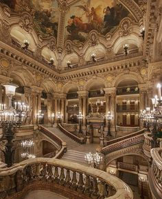 🏛️ The Great Staircase of the Palais Garnier captured by 👑 Baroque Architecture, Beautiful Architecture, Beautiful Buildings, Beautiful Places, Art Vintage, Vintage Homes, Fantasy Castle, Grand Staircase, Dream Home Design