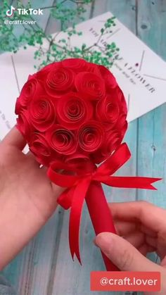 Cool Paper Crafts, Paper Flowers Craft, Paper Crafts Origami, Diy Crafts For Gifts, Diy Arts And Crafts, Flower Crafts, Creative Crafts, Diy Flowers, Decor Crafts