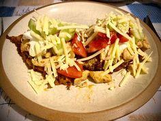 Csirke gyros gombás tócsni ágyon Tacos, Mexican, Ethnic Recipes, Food, Essen, Yemek, Mexicans, Meals